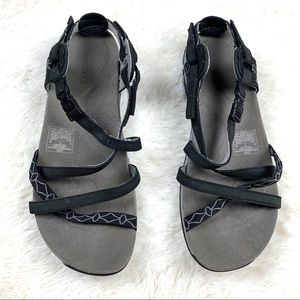 Merrell womens Sandals size 9 black J57598 opentoe